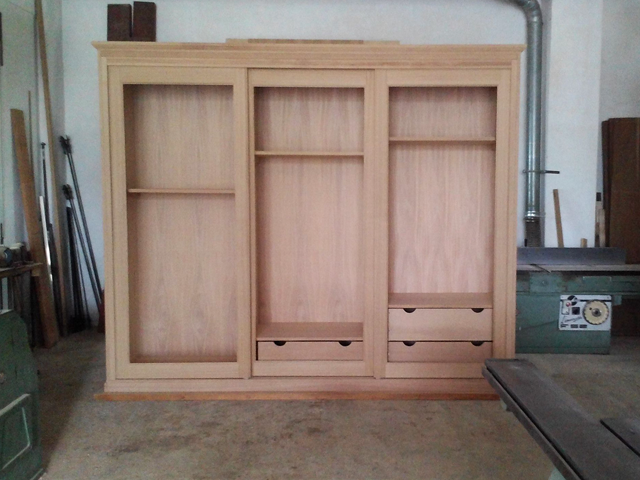 Armadio in legno massello a specchio