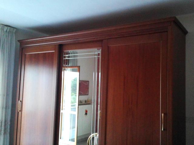Armadio in legno massello a specchio - Armadio ciliegio specchio ...