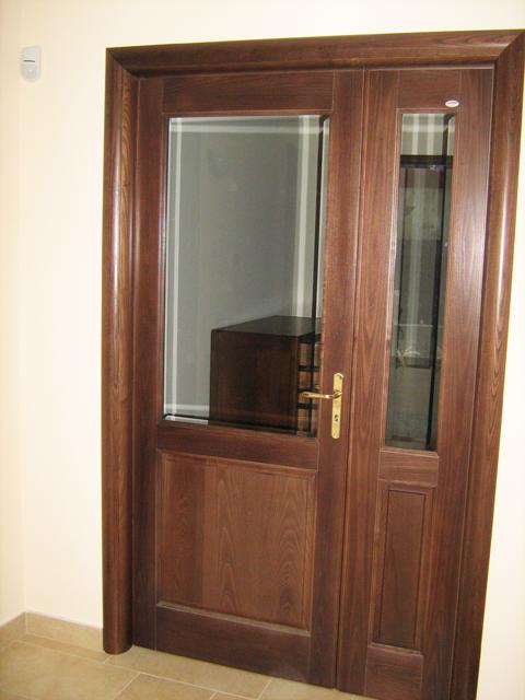 Porte in frassino massellato e bugna in legno massello - Porte con bugne ...